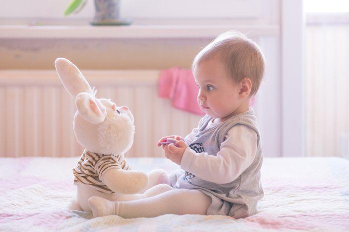 Фото на тему «Чому не можна присаджувати дівчаток до 6 місяців?»