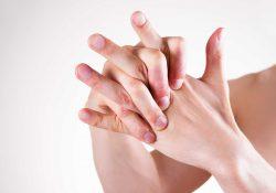 Фото на тему «Почему нельзя щелкать пальцами?»